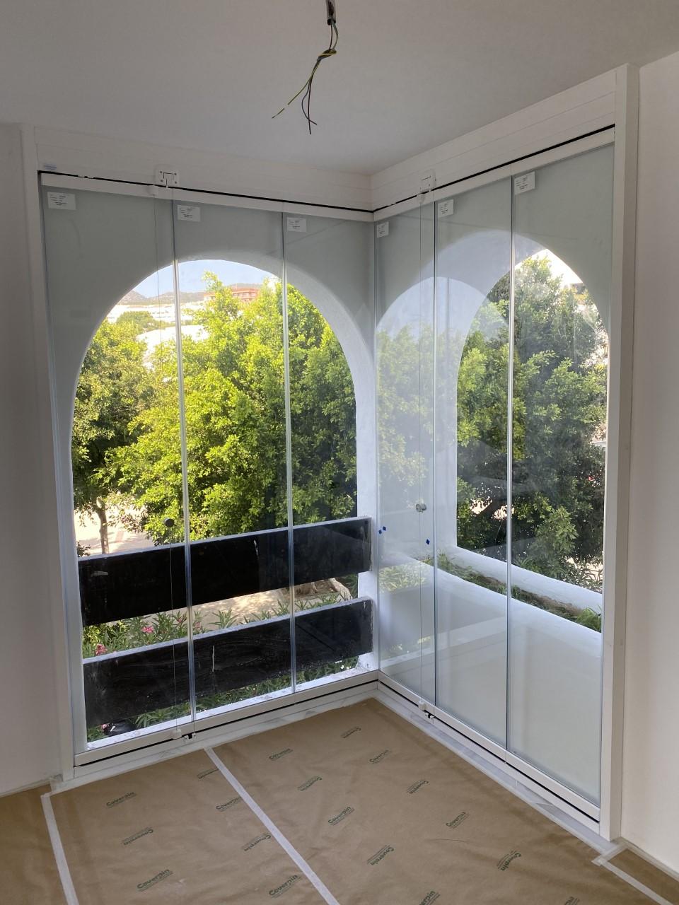 Cortina cristal para cerramiento de ventanas