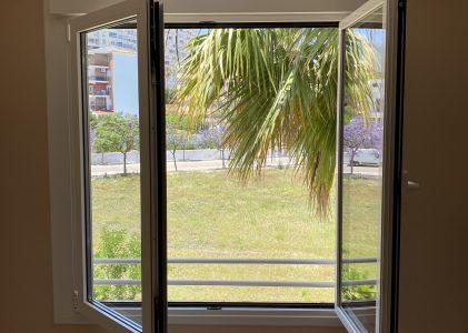 Ventana PVC oscilobatiente para habitación en Torremolinos